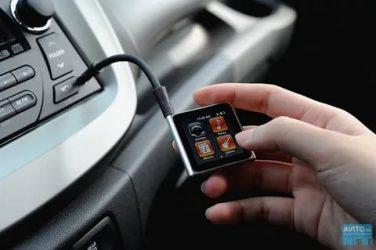 Как подключить флешку через aux в машине?
